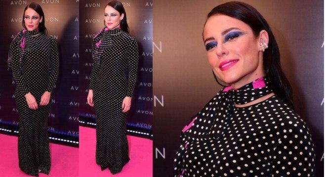 Paolla Oliveira usou um vestido longo de poá com maquiagem bem chamativa. Gostaram?