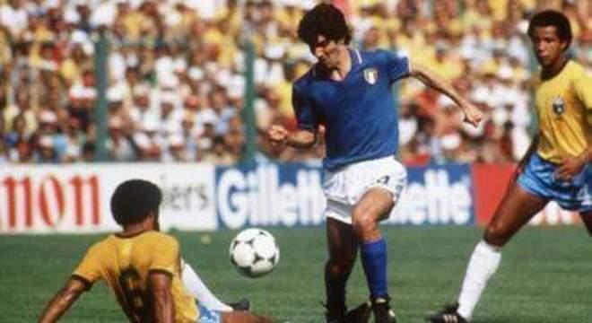 Contra Júnior e Luisinho, na Copa da Espanha/82
