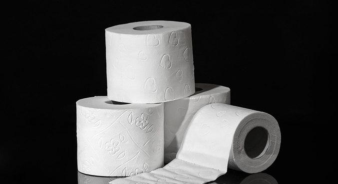Trio é preso depois de roubar 600 rolos de papel higiênico em Hong Kong