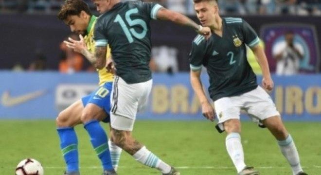 Paquetá. Intimidado. Anulado. E com a camisa 10 da Seleção Brasileira