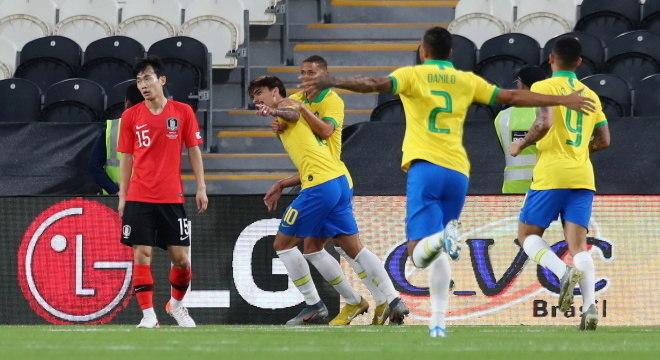Paquetá comemora primeiro gol do Brasil contra Coreia do Sul