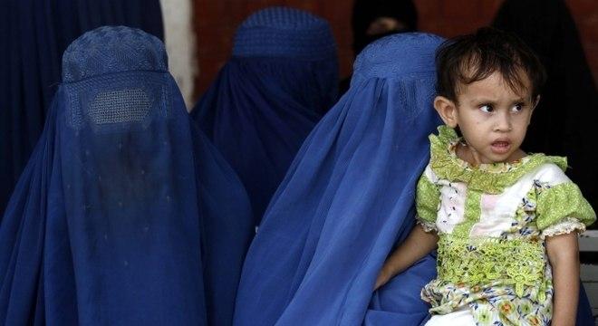 Casos de violência contra crianças chocam Paquistão