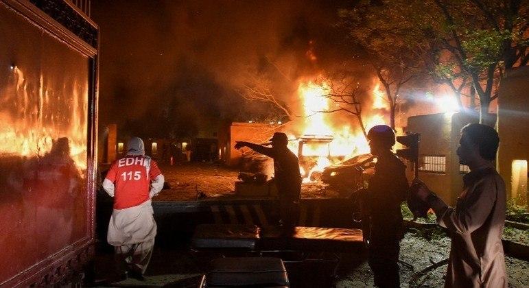 Outras 11 pessoas ficaram feridas, duas delas gravemente