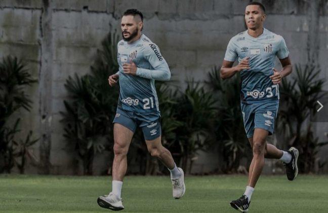 Pará - 35 anos - Clube atual: Santos (Grupo C)