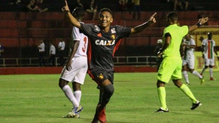 Para fechar a lista do Leão, o atacante Pablo Pardal está emprestado ao Cascavel, do Paraná, até o fim da temporada. Ele tem vínculo com o Sport terminando em dezembro de 2022.