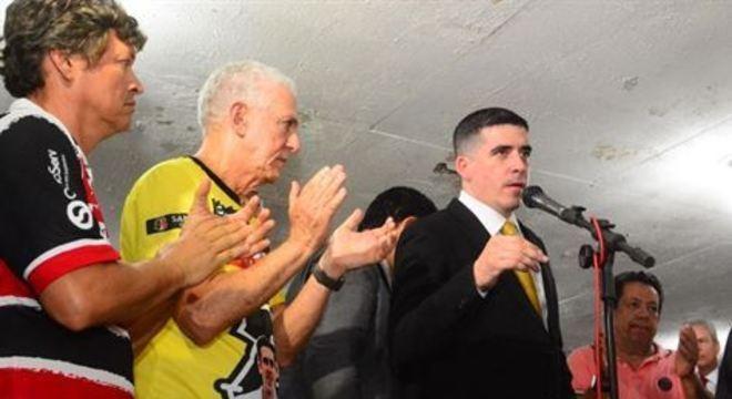 Para viabilizar apoio, vice-presidente do Santa e presidente da FPF citam contrapartida que futebol precisa oferecer. Estado, no entanto, não prevê suporte no momento