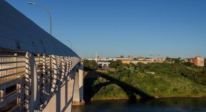 Brasileiros buscam cursos acessíveis de Medicina no Paraguai