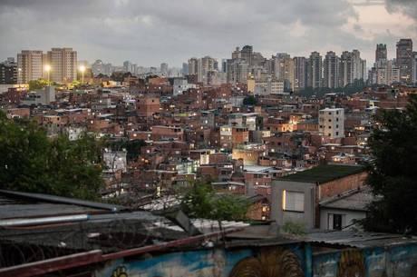 Há cerca de 25 mil idosos em Paraisópolis