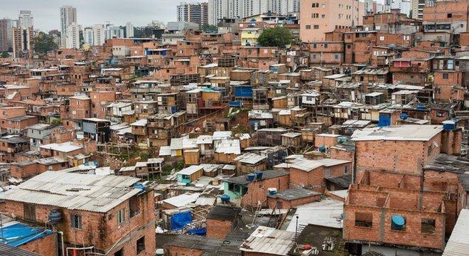 Serviços como aplicativos de entrega são limitados para moradores de favelas