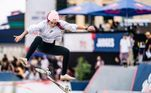 Letícia Bufoni venceu o Red Bull Paris Conquest, primeiro torneio de skate street após os Jogos Olímpicos Tóquio 2020. A brasileira, que não conseguiu se classificar às finais da Olimpíada, mandou muito bem na França e garantiu o título ao baterEugeniaGinepro, da Argentina e Charlotte Hym, da França, na grande decisão
