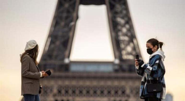 Autoridades estudam adotar mais restrições na França
