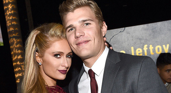 Paris Hilton e o noivo Chris Zylka