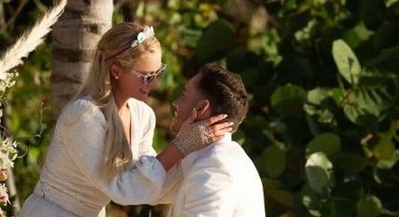 Paris foi pedida em casamento por Carter Reum