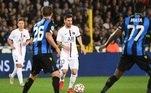 Messi e Neymar pouco fizeram. Mbappé saiu machucado ainda o início do segundo tempo. O próximo confronto dos franceses pela competição será contra o Manchester City.