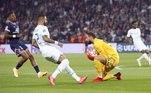 O jogo contra os ingleses marcou a estreia do goleiro Donnarumma, que fez grande atuação, ajudando a garantir a vitória sem gols sofridos