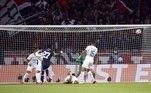 O placar foi aberto logo no início da partida, aos 7 minutos em um golaço do meio campo Gana Gueye