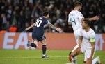 A partida mais esperada desta segunda rodada da fase de grupos da Champions League era entre Paris Saint-Germain e Manchester City. Messi, Neymar e Mbappé estariam juntos novamente e a expectativa era grande. Os parisienses conseguiram vencer, com primeiro gol de Messi com a camisa do clubeParis Saint-Germain 2x0 Manchester CityMesmo com desempenho abaixo do esperado, o PSG venceu o Manchester City por 2 a 0 e Messi marcou seu primeiro gol pelo time no Parque dos Príncipes, na França, na segunda rodada da Chanpions League, pelo Grupo A