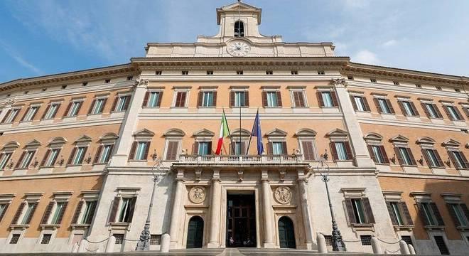 Parlamento italiano tem atualmente 945 membros