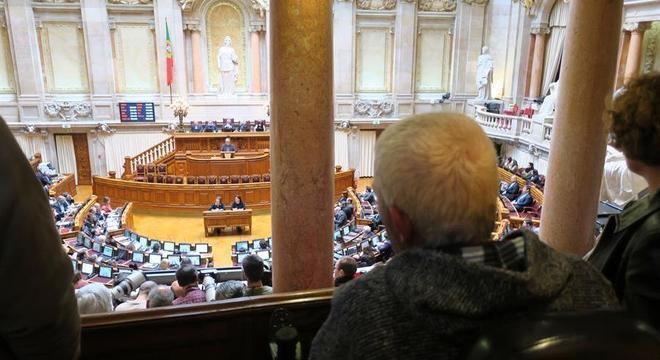 Parlamento português aprovou o decreto nesta sexta-feira