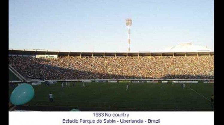 Parque do Sábia (MG): sem sede fixa, o estádio de Uberlândia recebeu uma partida das semifinais da Copa América de 1983. Foi o empate por 0 a 0 contra o Paraguai que acabou garantindo o Brasil na final da competição.