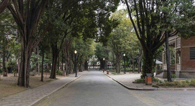 Parque é o mais antigo da cidade e fica na divisa entre os antigos bairros Luz e Bom Retiro