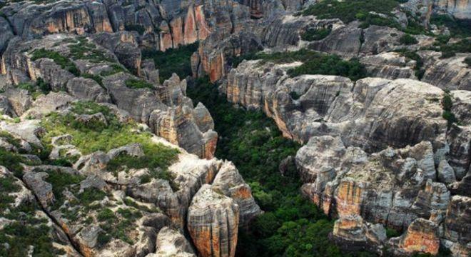 Cravado no sertão piauiense, Parque Nacional da Serra da Capivara tem 130 mil hectares