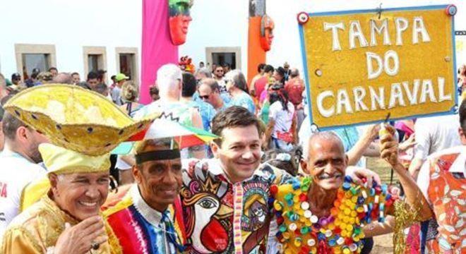 Participam do evento o prefeito do Recife, Geraldo Julio e o governador de Pernambuco, Paulo Câmara