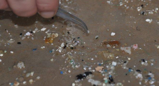 Partículas se acumulam nos oceanos