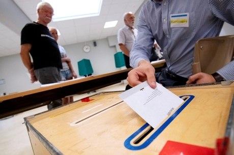 Suecos votam neste domingo (9) em cenário polarizado
