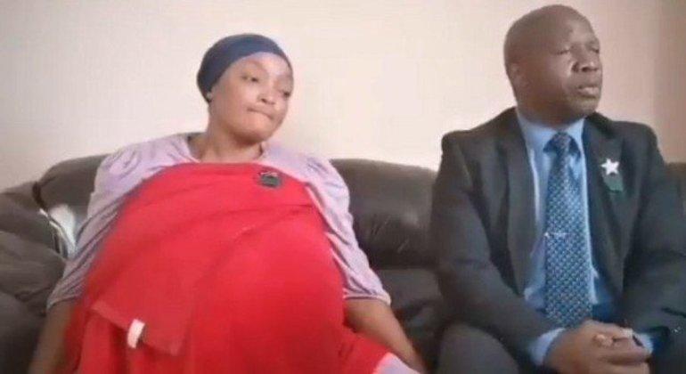 Gosiame Thamara Sithole alega ter dado à luz 10 bebês, mas não possui registro em hospitais
