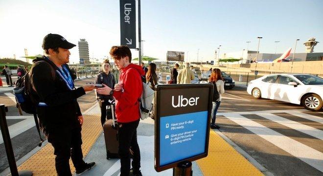 Revolução do Uber foi finalmente ter eliminado o intermediário no mundo do táxi
