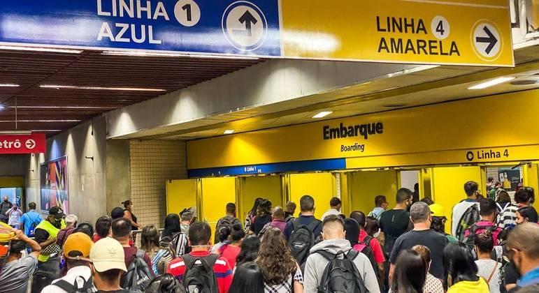 Movimentação na Estação da Luz, no centro de São Paulo