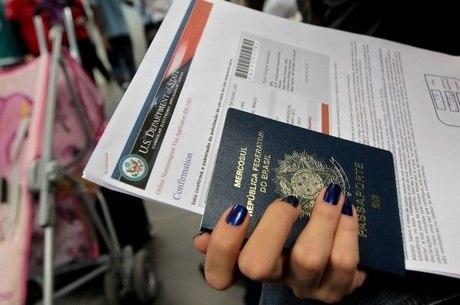 Brasileiros buscam graduação no exterior
