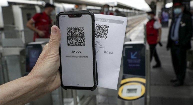Passes falsificados eram comprados com criptomoedas ou através de vouchers no e-commerce