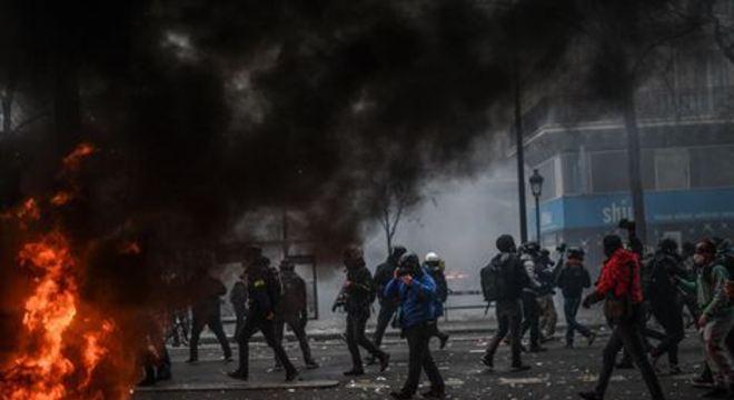 Passeatas foram realizadas em cerca de 70 cidades na França, segundo uma contagem feita pela AFP