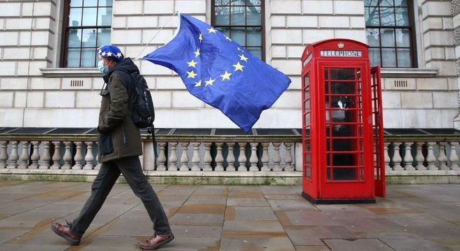 Pelo acordo, Reino Unido deixa de fazer parte do Erasmus, maior programa mundial de intercâmbio internacional