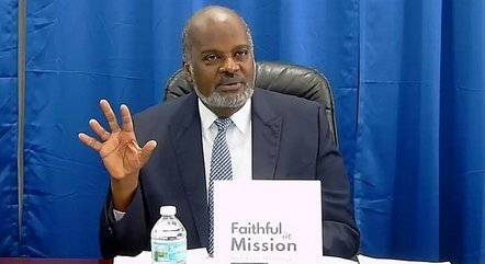 Pastor Elie Henry foi sequestrado com a filha