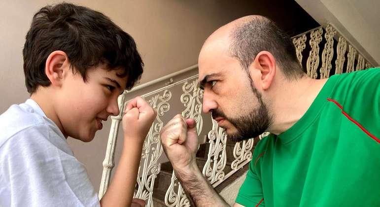 Além de pai do Giovani, Francisco é fundador da plataforma Tismoo.me, dedicada ao TEA