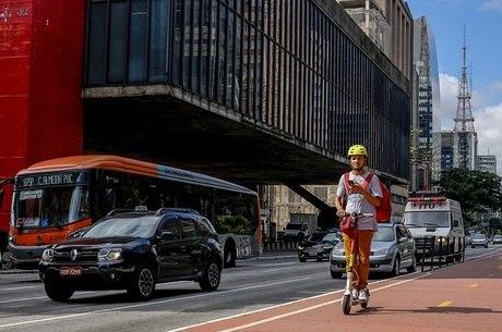 Prefeitura de São Paulo anuncia regras do uso da patinete