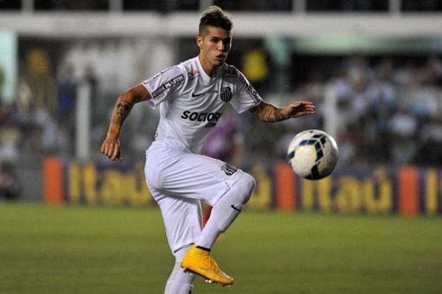 PATITO RODRIGUEZ – O meia argentino chegou ao Santos com pompa em 2012. Porém, teve altos e baixos, marcando somente dois gols em sua passagem pelo Peixe