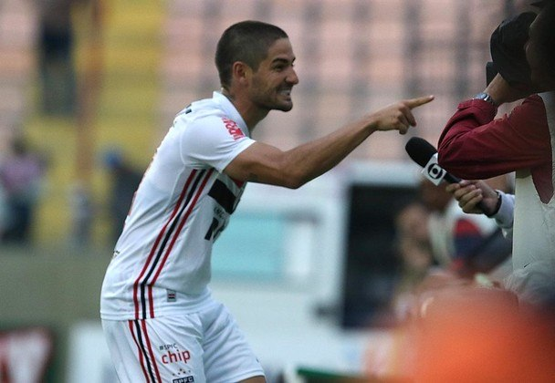 Pato - Oeste 0 X 4 São Paulo - Cobrando pênalti que ele mesmo sofreu, camisa 7 fechou a goleada e chegou a dois gols na competição.