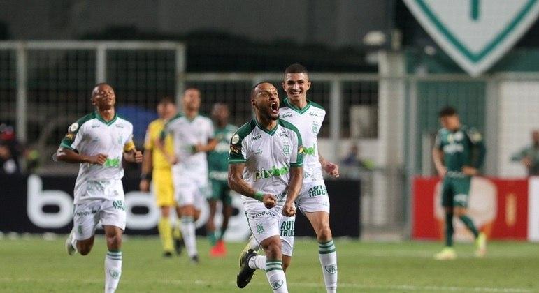 América virou contra o Palmeiras, nesta quarta-feira, em Belo Horizonte