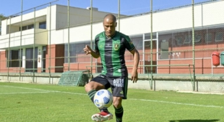 Patric fechou com o Coelho até o fim da Série A do Brasileirão