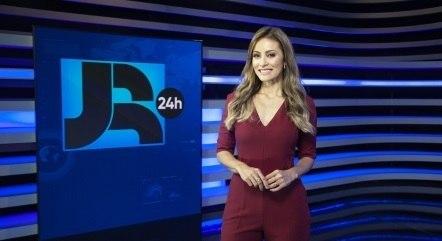 Patrícia Costa é uma das apresentadoras do Boletim JR 24 Horas