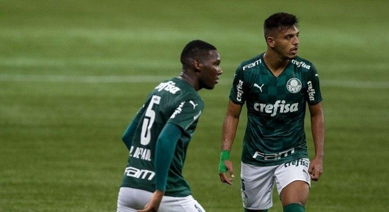 Patrick de Paula e Menino são revelações do Palmeiras