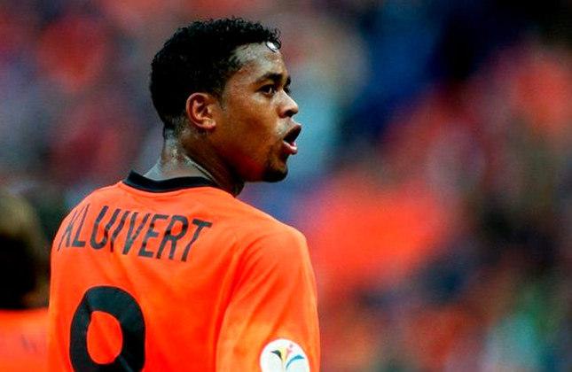Patrick Kluivert - Outro ídolo da Holanda também marcou seis tentos, mas em 9 confrontos disputados