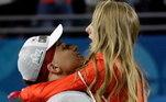 O casal ficou nos holofotes após oSuper Bowl, entre Kansas City Chiefs eSan Francisco 49ers. Depois do fim da partida e o título da equipe do namorado,Brittany Matthews fez questão de correr para os braços dele e dar um grande beijo
