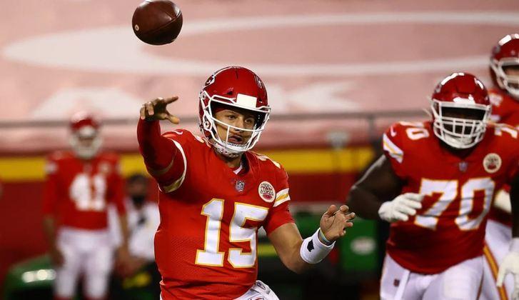 Patrick Mahomes, quarterback pelo Kansas City Chiefs, da NFL, é Joe Biden.