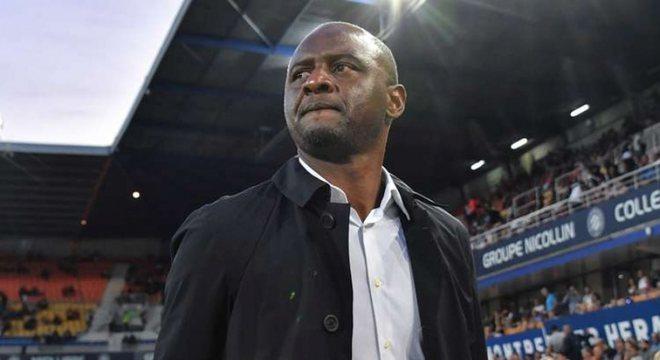 Patrick Vieira: Treinador francês de 44 anos. Ex-atleta de sucesso, treinou o sub-21 do Manchester City. Depois comandou o New York City, dos Estados Unidos, e o Nice, da França.