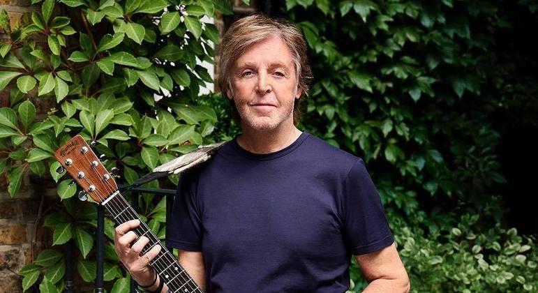Paul McCartney volta à cena com uma bem pensada ação fonográfica geracional